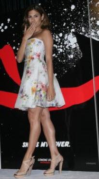 Eva Mendes in floral strapless dress